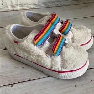 Vans furry white shoes